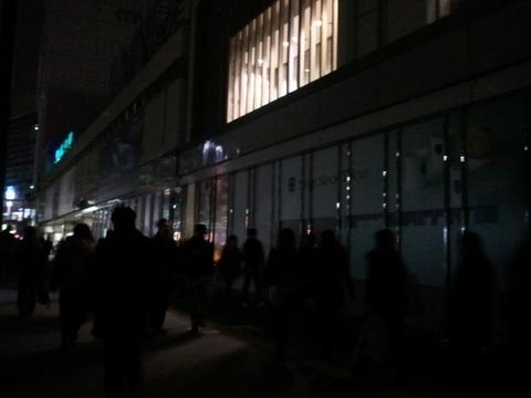 2011-03-15 新宿南口.jpg