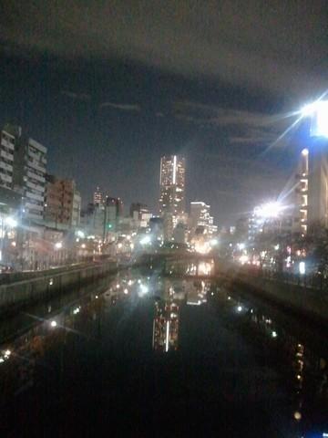 大岡川からのランドマーク.jpg